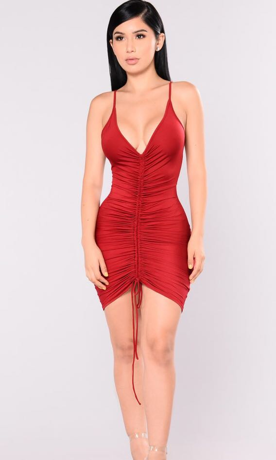 57d9a7f8a12 Instock Ruched bodycon dress in red