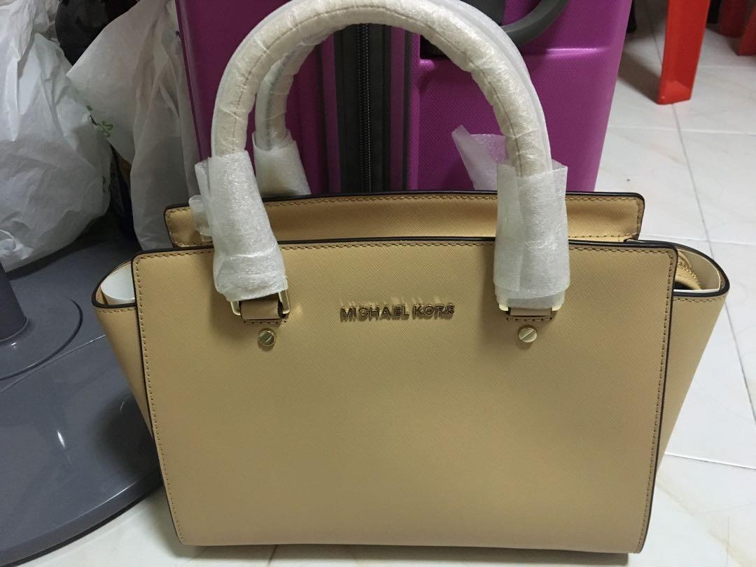 ef4979c26f0 Michael Kors Selma Medium Leather Satchel, Women's Fashion, Bags ...