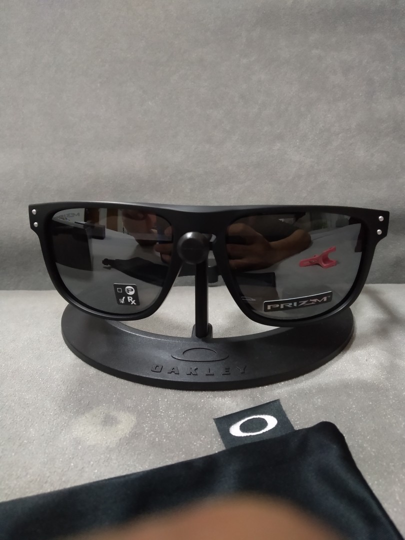 d387bead81 Oakley holbrook R (round) matte black prizm black iridium oo9377-0255