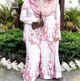 Baju Kurung : Satin White Flower Pink
