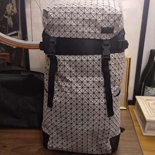ISSEY MIYAKE BAOBAO 幾何 皮 後背包(白)