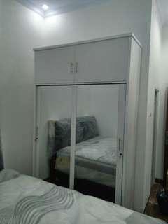 lemari sliding jumbo 2 pintu.