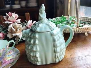 🚚 英國製Sadler DAINTEE LADY薄荷綠骨瓷手工造型茶壺