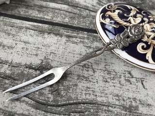 德國🇩🇪Antiko浮雕玫瑰花柄鍍銀水果叉