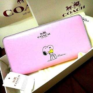 Coach 53773 Snoopy X PEANUTS Special Edition Accordion Zip wallet in Calf Leather Classy Pink