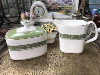 英國製Royal Doulton皇家道爾頓RONDELAY系列骨瓷奶壺/糖盅組合