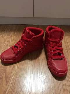Adidas shoes BOYS YOUTH size 5