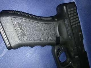 Glock 17 pistol (Austria)   全套連電筒。