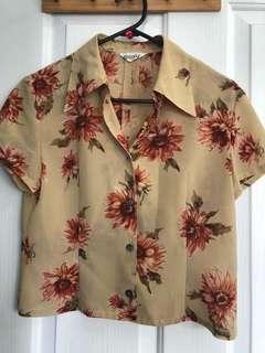 Floral button-up size 6-8