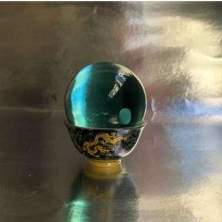 雪落下的聲音佛教七寶琉璃天然藍寶火山琉璃球龍珠杯皇龍吐珠雙龍搶珠得大勝利實物拍攝直徑5.7cm附照片中底座