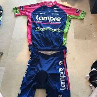 L sized topAnd bottom cycling jersey