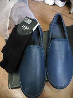 Sepatu Water Proof ( anti air)