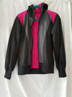 NEW Nike Jacket size L but fit S to M