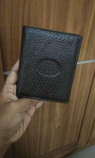 Dompet pria kulit warna coklat tua
