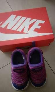 🚚 正版Nike毛毛蟲鞋15/26號