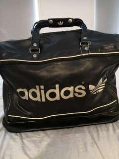 OLD RETRO ADIDAS LETHER BAG!!