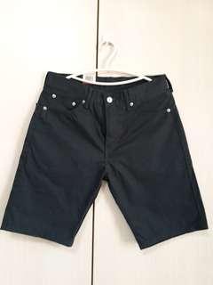 🚚 全新 Levis 深藍色休閒短褲 30腰