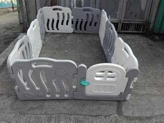 10 Panels Baby Playpen white and gray or play yard