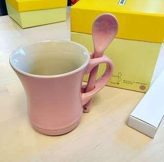 全新 * Le Creuset Small Mug w/Spoon * Satin Pink *  細Size 粉紅杯連匙 * MTR 交收 or 順豐到付