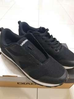Diadora men shoes