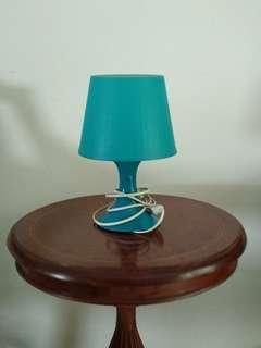 Lampu meja table lamp