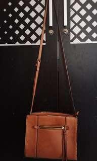 Stradivarius brown