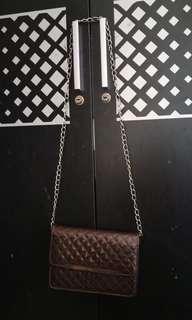 Sling bag brown