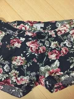 Cotton On flowery shorts