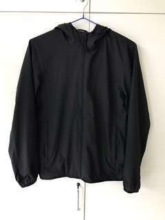 Uniqlo 輕便袋裝風褸 size M 黑色