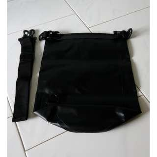 Black watertight PVC sling bag