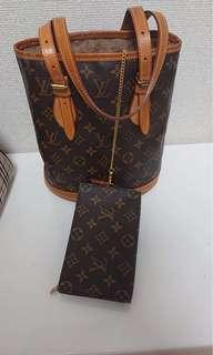 Buckets Louis Vuitton authentic pm size used but good condition sticky inside