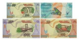 馬達加斯加風景紀念鈔(有多套) 一套四張極具特色