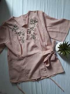 #carousellxzoukout Atasan kimono pink peach
