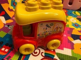 10個軟塊和2個迪士尼人物(米奇唐老鴨)迪士尼校車