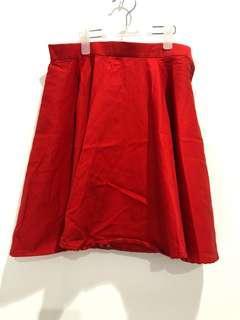 Rok merah model lebar
