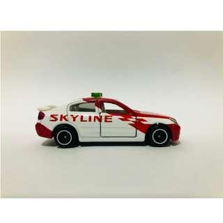 TOMICA No23 Nissan Skyline Safety Car