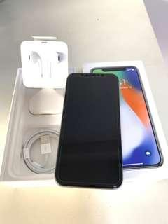 Selling iPhone X 64GB with full accessories