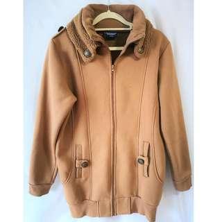 🚚 UT Jacket in Beige M Size #MRTYishun