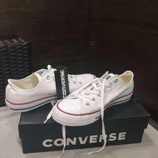 Converse Chick Taylor - Optical White (mens us 7.5 / womens us 9.5 / 26 cm)