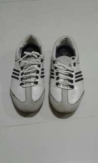 Adidas ladies shoe