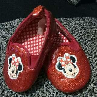 sepatu baby disney