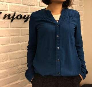🚚 ESPRIT 深藍氣質款不皺襯衫