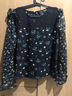 Zara Printed blouse with frill