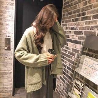 🚚 韓國慵懶感螺紋邊圓釦針織外套