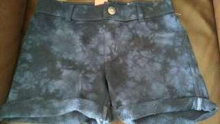 Hot pants jeans girl