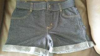 Short pants jeans girl