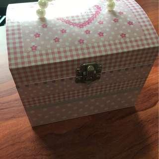 Jewelry box with dancing ballerina