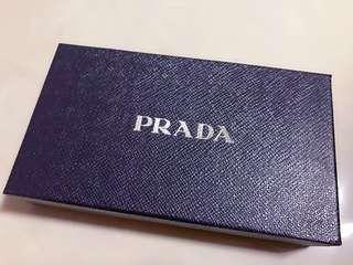 急售 正品Prada 防刮牛皮長夾