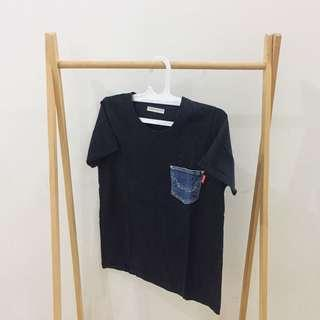 Black t-shirt with jeans pocket by RODEO CROWNS