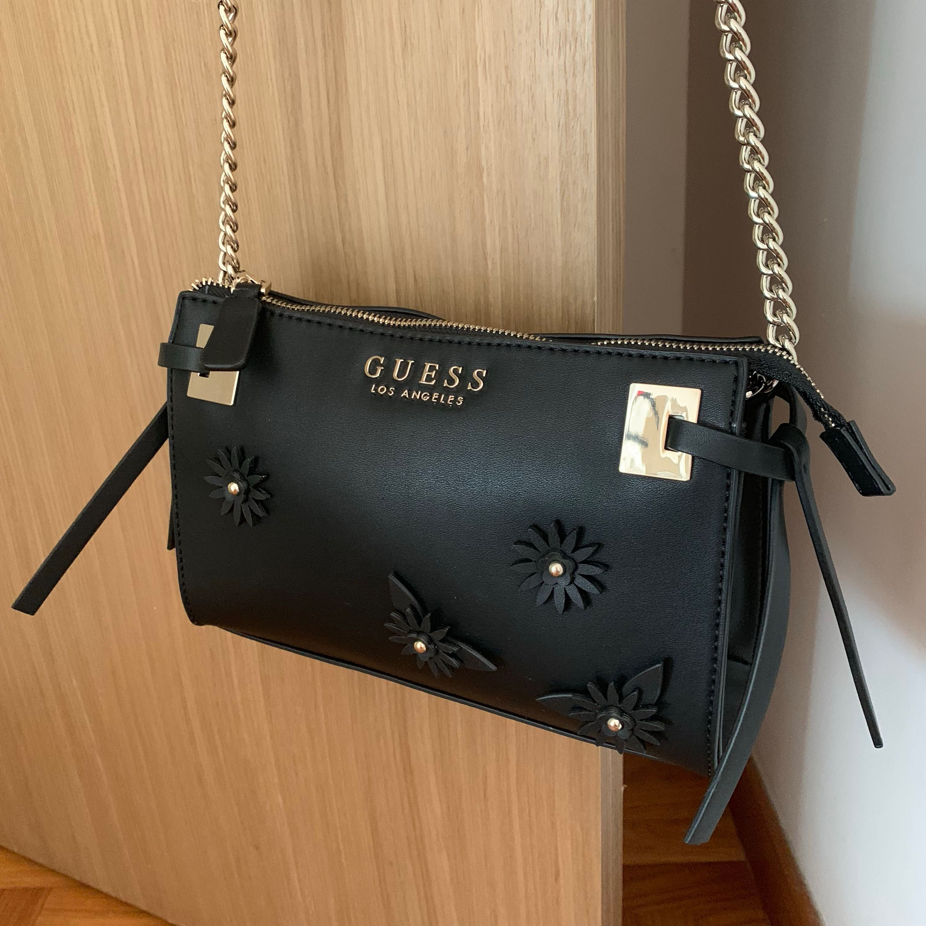 Authentic Guess Crossbody Bag 0a45abf477f55